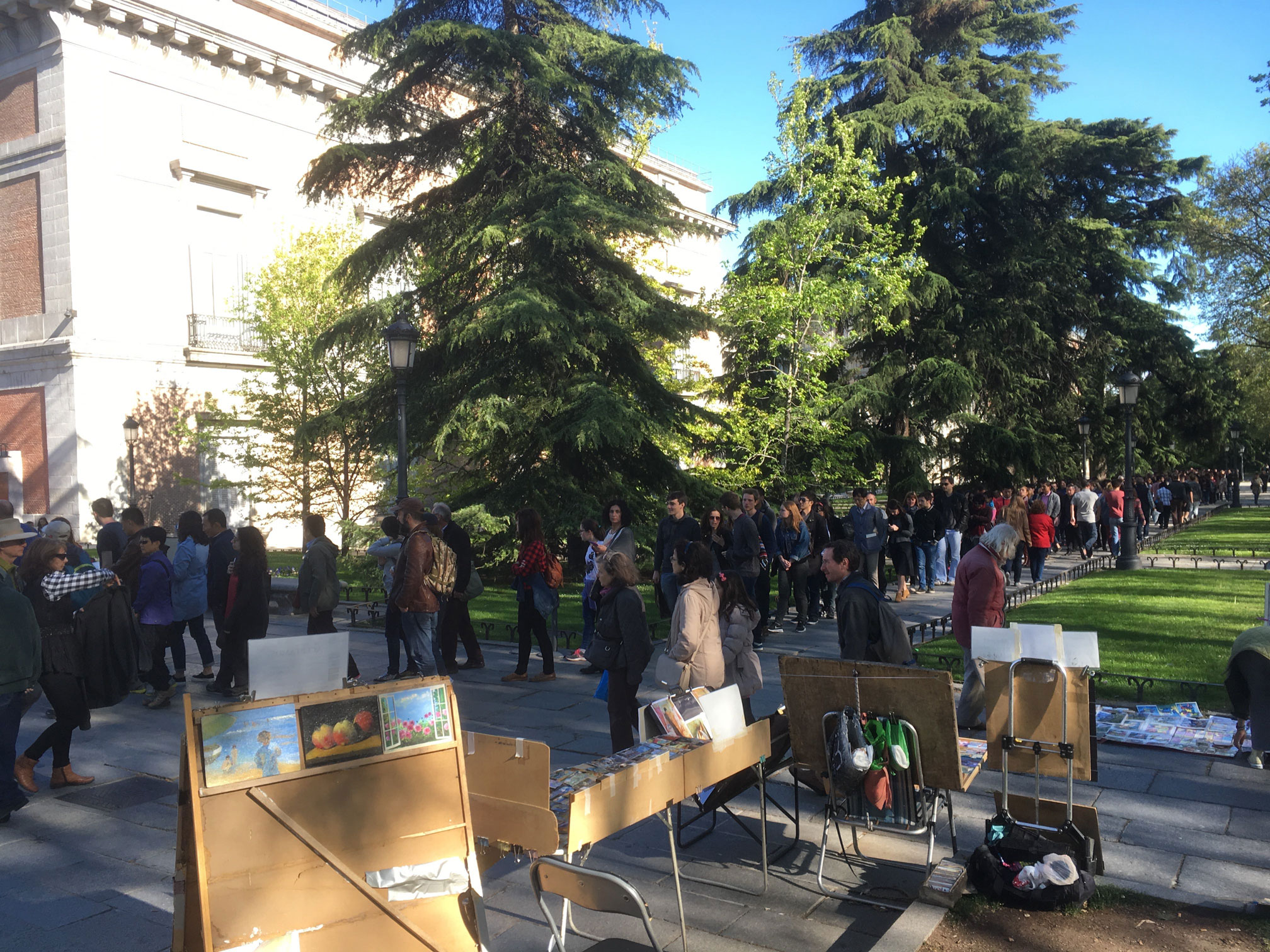 The Prado is one of the most important, and popular, museos in the world. Here are some queues on the first of May to prove it!