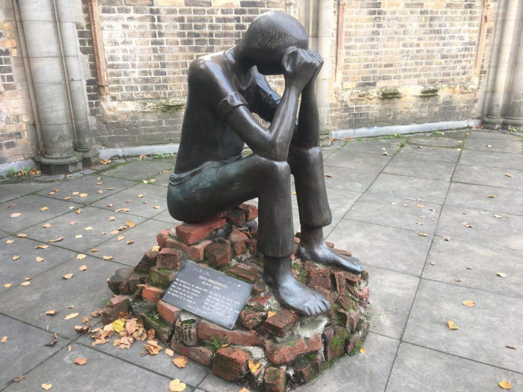 sculpture 'Prüfung'
